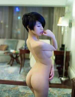 Impressively wonderful japanese chick Lina unveiling her flawless pallid assets