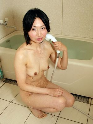 nude japanese wife