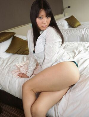 Real asian street angel Aya and her erotic photos